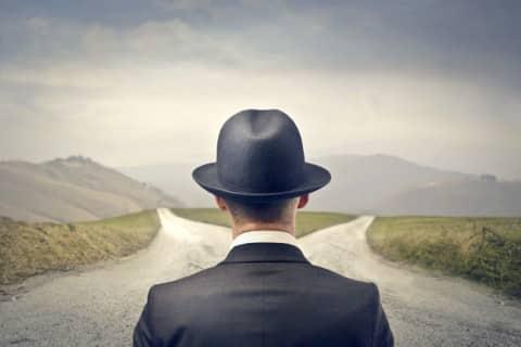 encrucijada, elección entre dos caminos